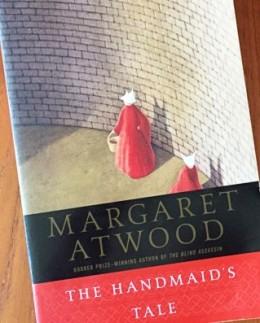 handmaids-tale (2)